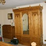 old well inn bedroom