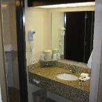 Room 464 Bathroom