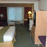 Suite 225
