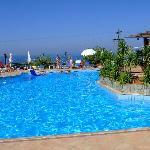 pool bella vista