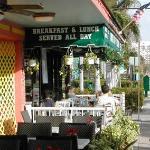 Photo de Country Ham N' Eggs Bar & Grill
