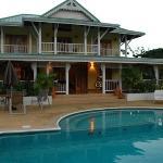 The Palms Villa Resort resmi