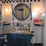 BATHROOM LOTS OF ROOM, HAIRDRYER