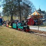Die Kleinbahn, elektrisch und dampfbetrieben, hat den Kindern besonders gefallen.
