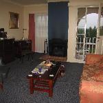 Room 77 (suite) living room