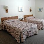 Western cabin beds; the decor is plain, but quite clean and the furniture is in good shape
