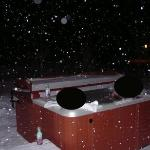 Outdoor hot tub !!!!!! !!!! !!!!!!