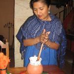 Nora Prépare le chocolat