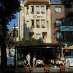 Hotel Alzer from the entrance