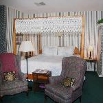 Hawthorn Room - bed