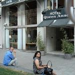 Photo de Hotel Queen Anne