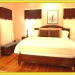 King size bed in the Ellington Suite