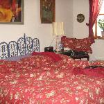 The romantic large 3rd floor bedroom