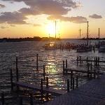 Captain's Landing Waterfront Inn Foto