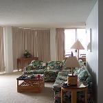 Living room 810