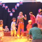 Clowns Mini Disco singing Veo Veo