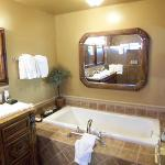 Tub In The Bathroom, Also A Jetted Tub On The Private Patio (Vineyard III)