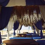 playa privada del hotel alhambra thalasso