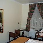 Hotel Tiffany chairs and window