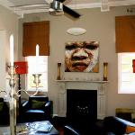 Decor: tasteful and cultural