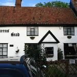 Great food at the Queen's Head a few minutes away
