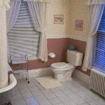 Our tidy little bathroom.