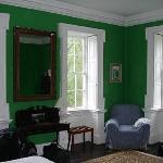 Roundwood green room