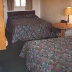 Hadley's Motel, Two-Bed room.