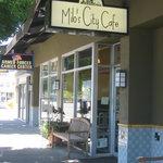 Milo's Cafe on Broadway