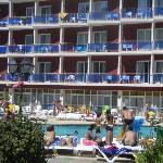 Seconde piscine avec vue des fameux balcons