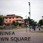 Albinea Town Centre is a 5 minute walk (through a park) from the Hotel
