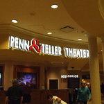 Penn & Teller theater @ the Rio