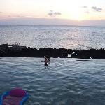 Land's End Pool - beer and sunset