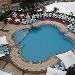 Crowne Plaza Terrigal-swimming pool