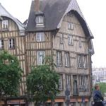 Troyes center (walking distance)