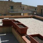 Pericolosissimi terrazzi senza nessuna protezione