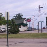 Carl's Drive Inn-another view