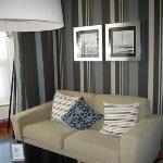 sitting area - 'Royal Treat' room
