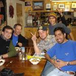 En la mesa de la cocina. Peruanos, argentinos y estadounidenses.