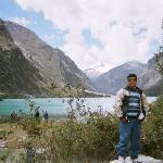 Ricardo en Llanganuco Lake Peru