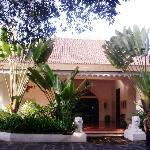 Tug Blitar's Courtyard and entrance to the Suites