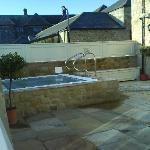 The fantastic outdoor hot tub