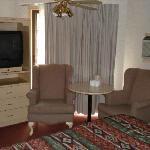 Red Carpet Inn Sitting Area