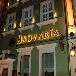 Hotel Brovaria at night