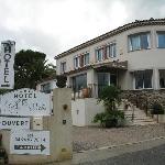 Hotel La Villa entrance