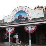 Foto de Coaster Theatre