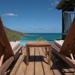 Blick von der Terrasse auf Plunge Pool und Meer