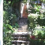 La escalerita que lleva a los cuartos
