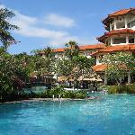 Grand Mirage - pool