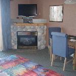 Fireplace & Flatscreen TV